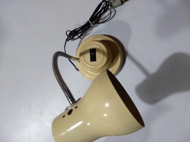 Antiga luminária metálica articulada mesa anos 70
