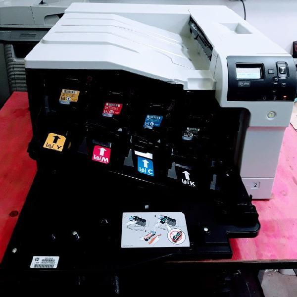 Impressora laser color a3 m750. (com toner no estado)