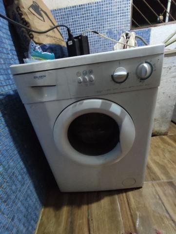 Máquina de lavar faz tudo com água quente