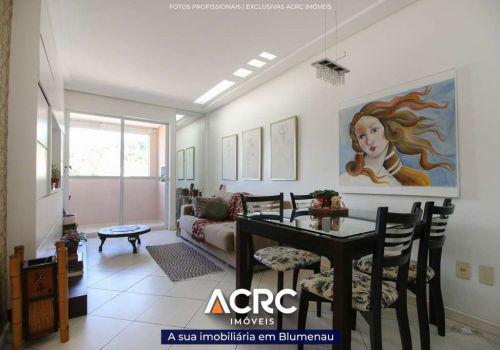 Acrc imóveis - apartamento semimobiliado com sacada e