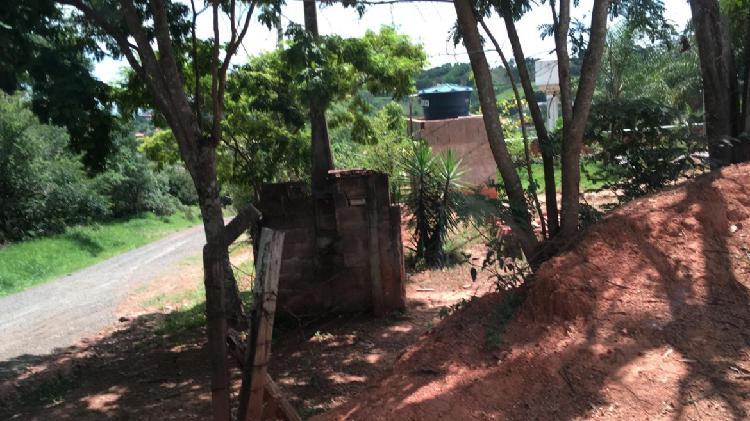 Casa com terreno em louveira