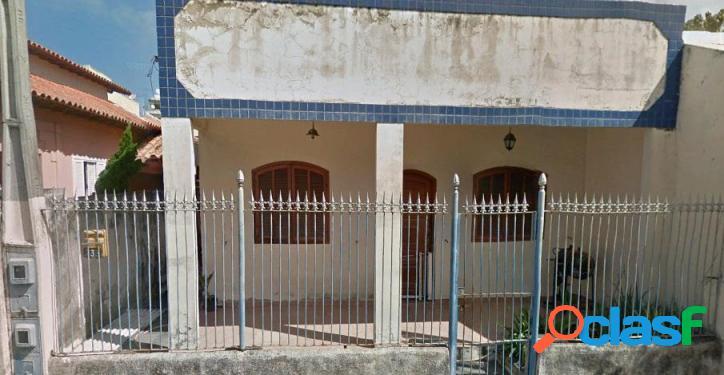 Casa independente à venda, centro, cabo frio.