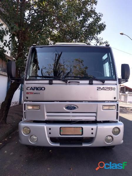 Ford cargo 2428 seminovo 1