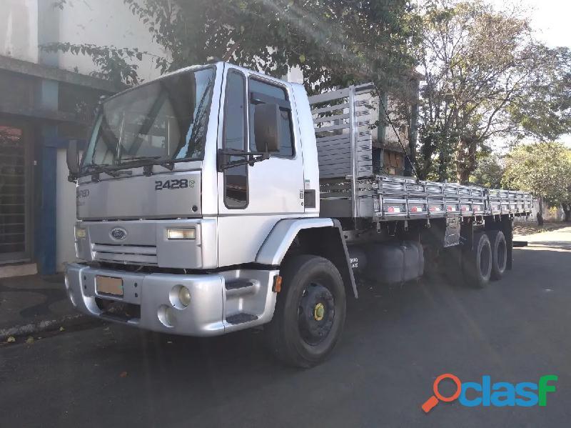 Ford cargo 2428 seminovo 3