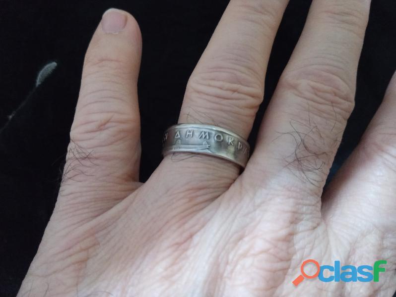 Verdadeiro anel de moeda antiga