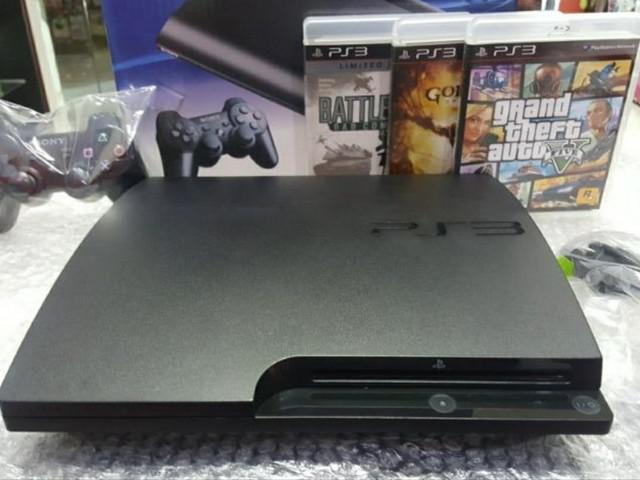 Playstation 3 slim novíssimo/destravado com 8000 jogos