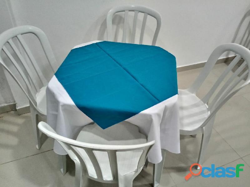 Locação de mesas com cadeiras R$ 12,90