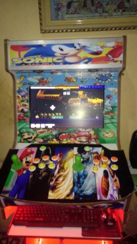 Fliperama arcade com leds
