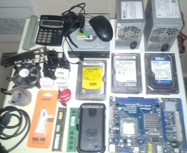 Lote de peças e equipamentos de informática