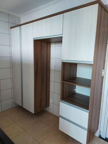 Alugo lindo apartamento com 2 quartos px a câmara municipal