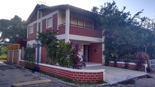 Casa 4 qrtos em m. farinha (aluguel/venda). cond. familiar