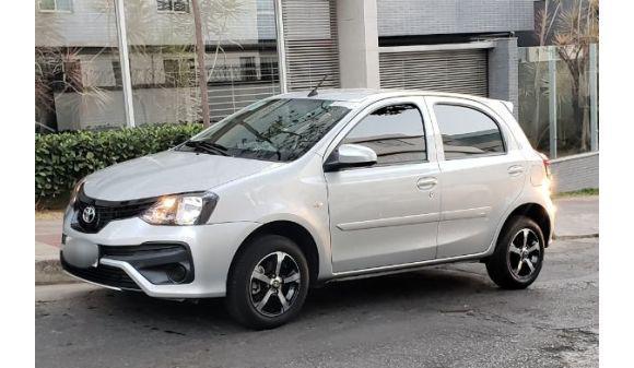 Toyota etios hatch 1.3 etios x 1.3 vsc 19/20 prata
