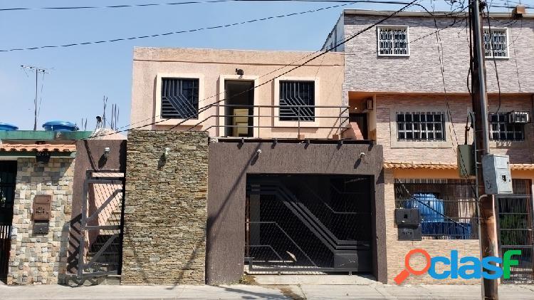Casa comercial el remanso san diego remodelada (16 habitaciones con baños)