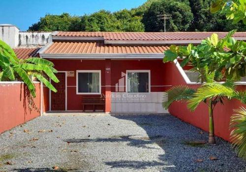 Casa 02 dorm, á 200 metros da praia, aceita financ.