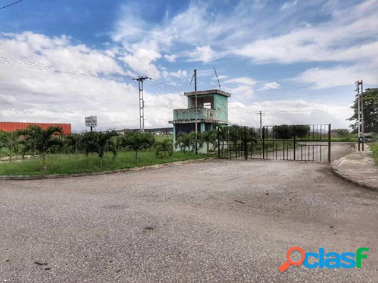 Terreno en venta parque comercio industrial pista 69. el recreo. p01