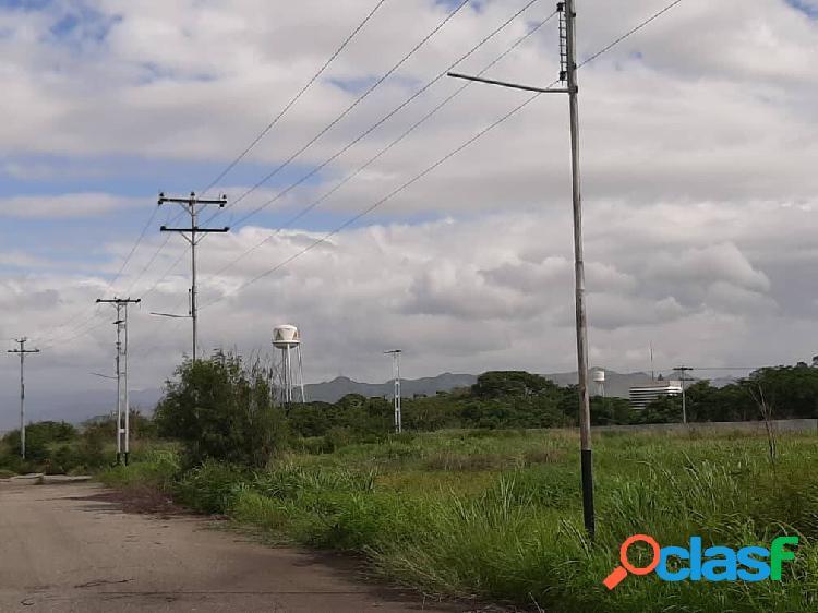 Terreno en venta parque comercio industrial pista 69. el recreo. p08
