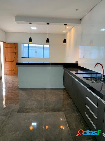 Apartamento térreo com churrasqueira/armários