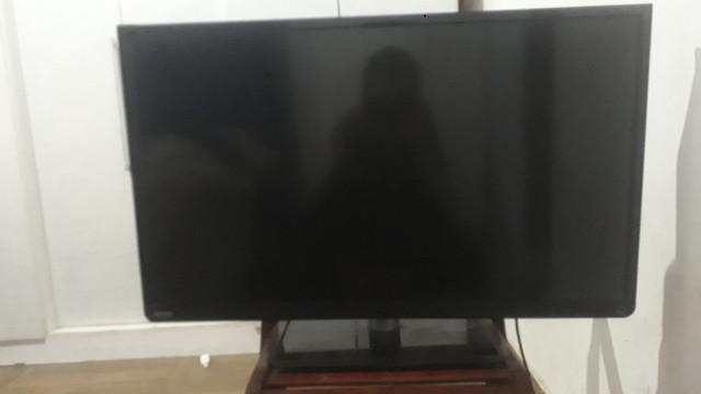 Tv tela quebrada com placas novas de led