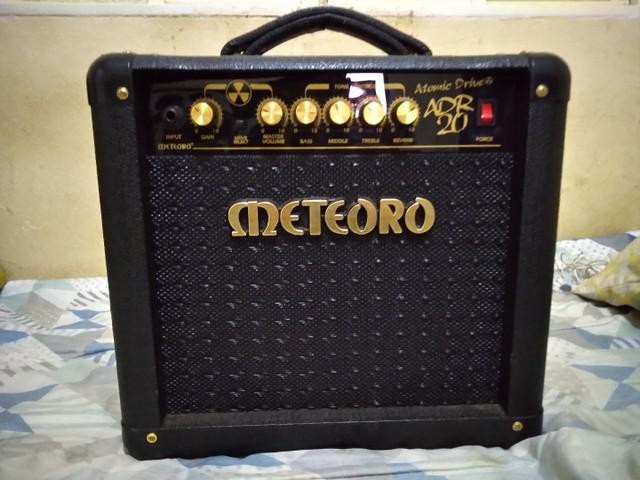 Vendo cubo/caixa amplificada para guitarra meteoro atomic