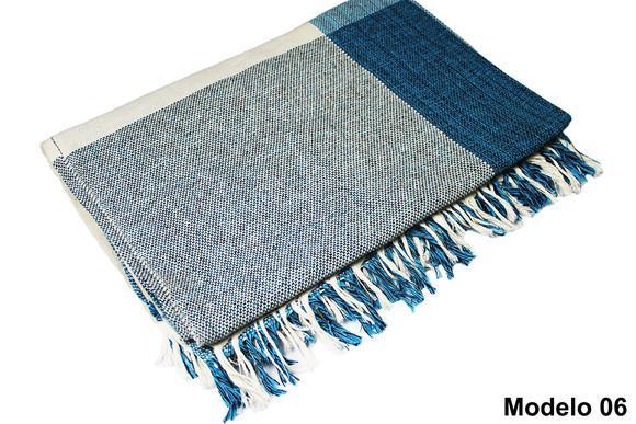 Manta para sofá em algodão azul com branco xadrez