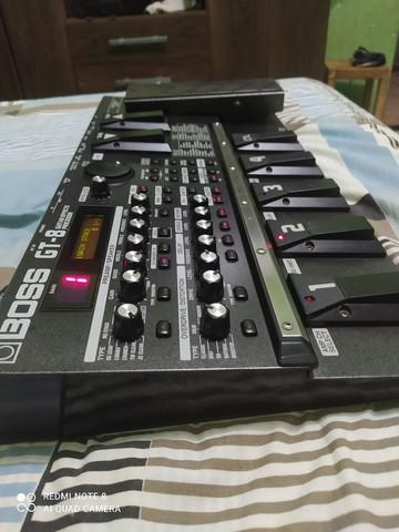 Boss gt 8 conservada + caixote + fonte bi-volt+ manual de