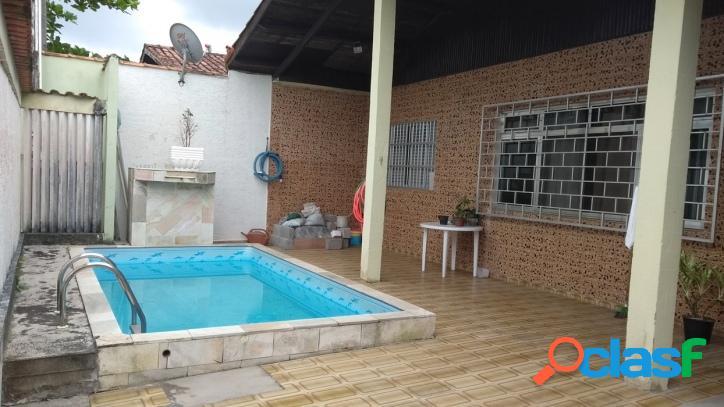 Casa ampla com piscina - 4 dorms - 50m da praia