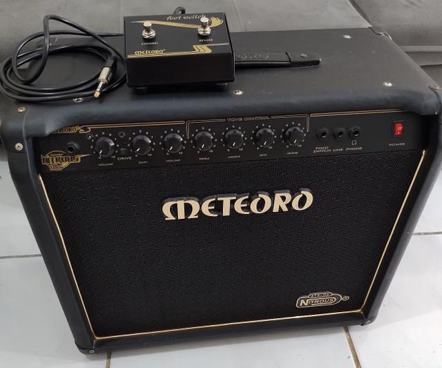 Amplificador meteoro nitrous gs 100w + foot switch
