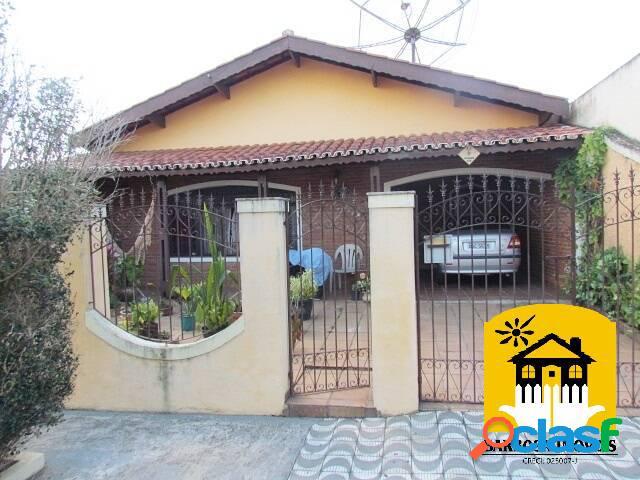 Imóvel em excelente bairro. área total de 450 m².
