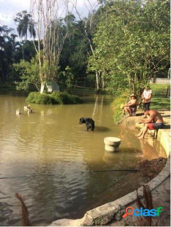 Ótima chácara arujá casa lago piscina e churrasqueira