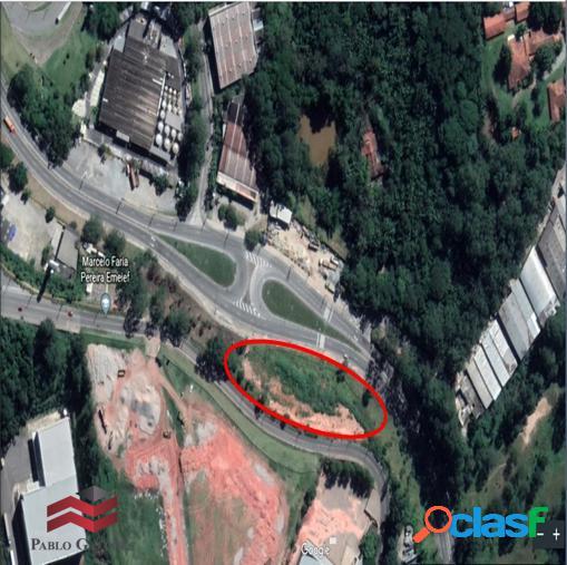 Terreno locação 8.000 m² com platô de 3.000 m² barueri,sp