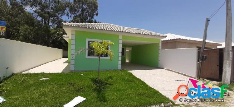 Casa linda, 3 dormitórios em itaipuaçu em condomínio