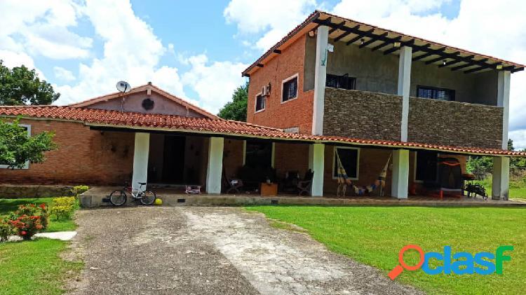 Hermosa casa en el safari parcela de 3.300 m2