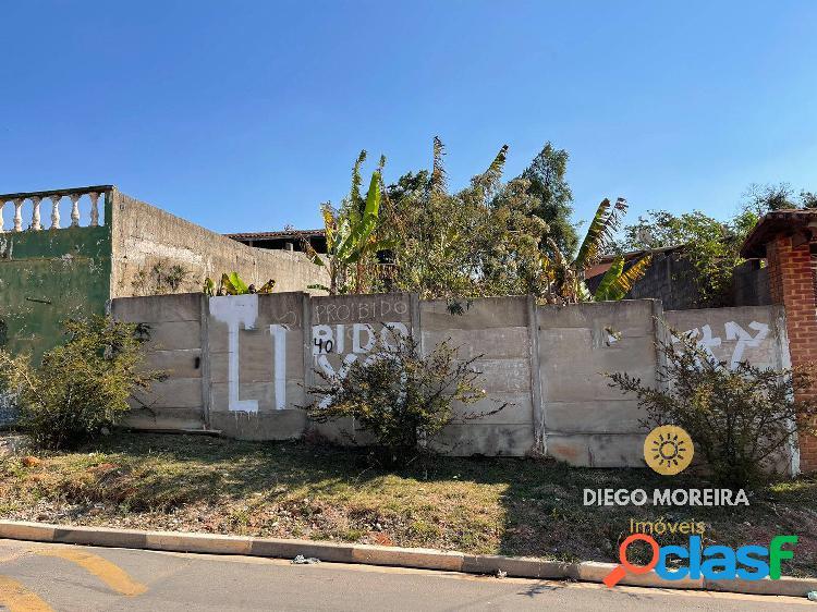 Terreno à venda em terra preta com 300 m²