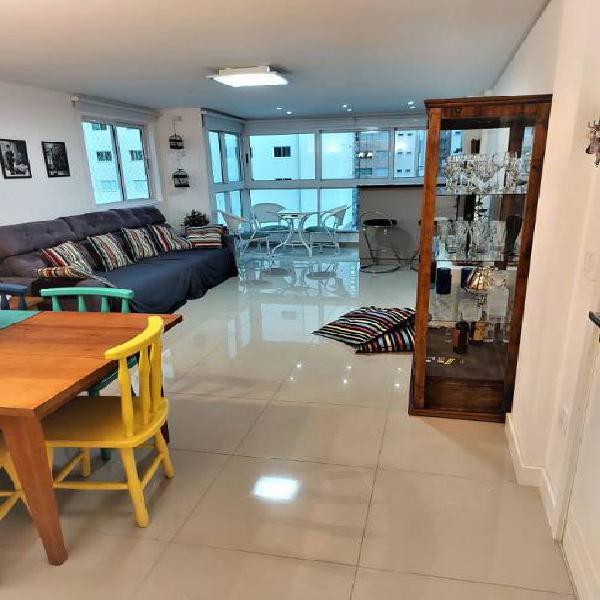 Linda cobertura duplex com 4 quartos em meia praia