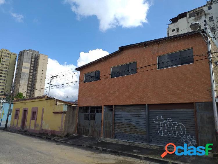 502.5 m2 / local comercial con apartamento (2do. nivel) y casa esquina data