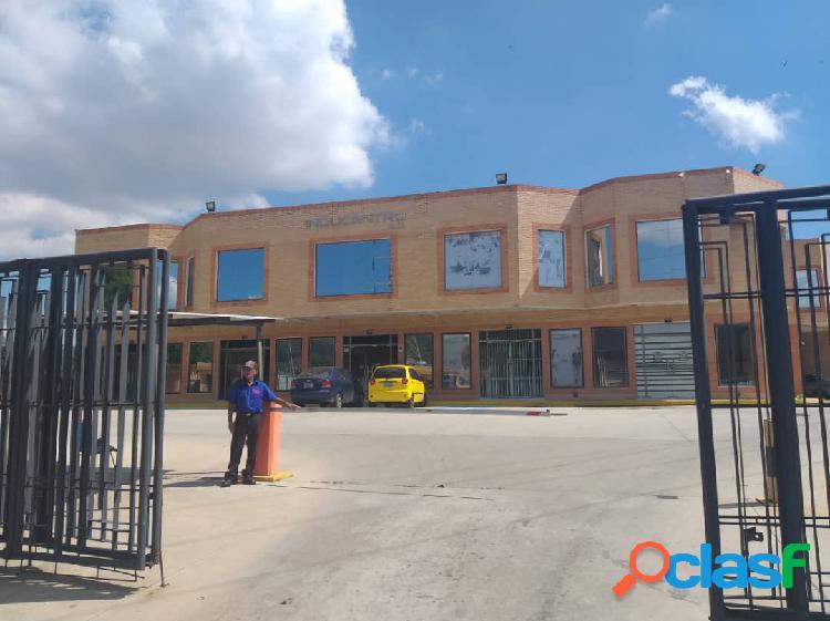 Local en inducentro san diego (130 m2)