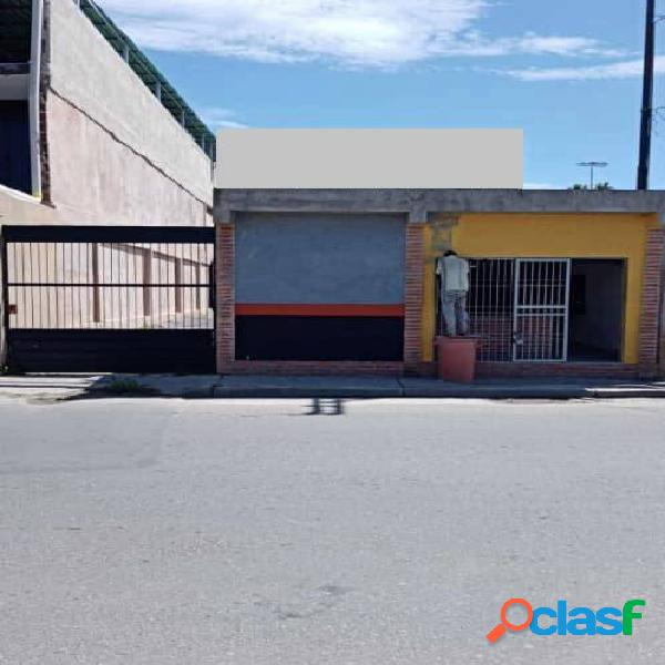 300 m2 venta local comercial cercano a avenida las ferias