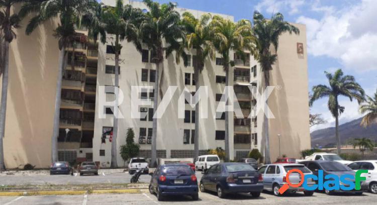 Apartamento conj. resid. la palmera, naguanagua 93m²