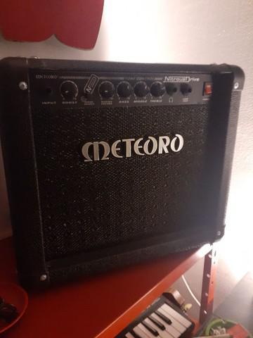 Amplificador 15w caixa de som guitarra meteoro drive