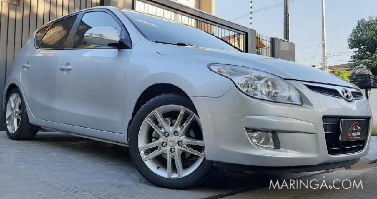 Hyundai i30 automático, 2.0 teto solar, couro, baixo km