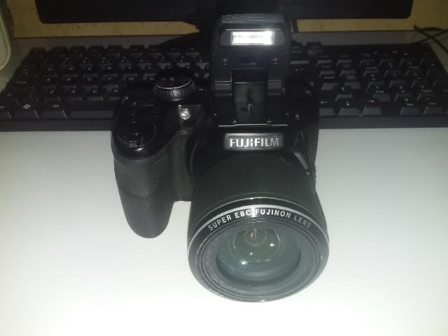 Câmera fujifilm s8200