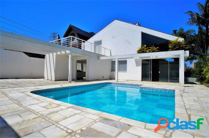 Casa no alphaville 1 com ótima localização!!!