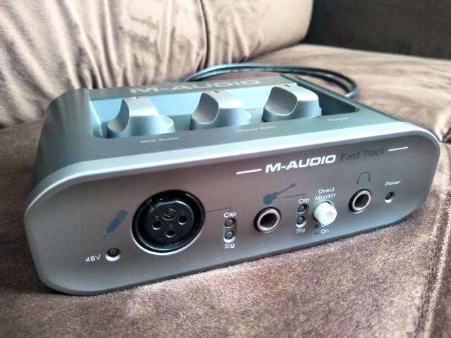 Interface m audio fast track
