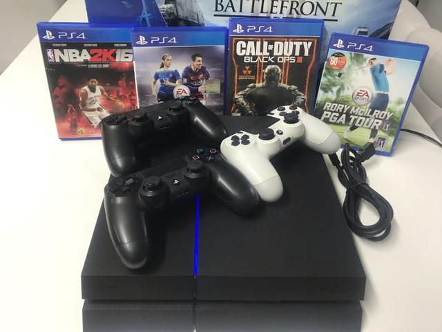 Play station plus ps4 jet black 500gb + 3 controles wireless
