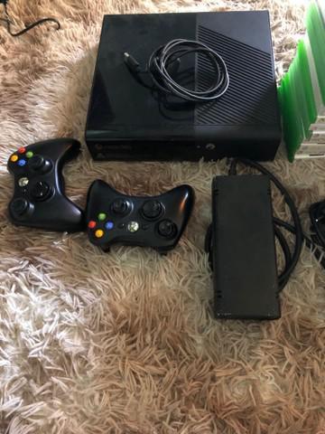 Xbox 360 desbloqueado dois controle e mais vários jogos e