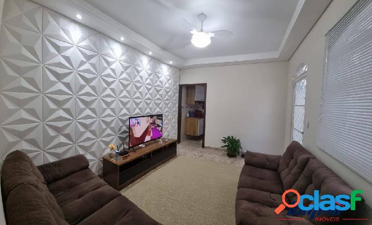 Linda casa com excelente acabamento