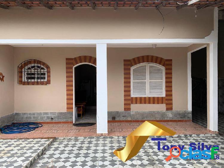 Ótima casa linear com localização em bairro nobre de cabo frio.