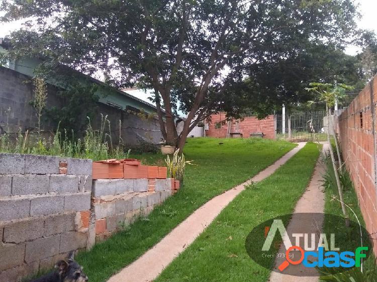 Vende-se casa no jardim santo antônio em atibaia terreno 409m² total.