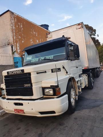 Scania e carreta baú conjunto