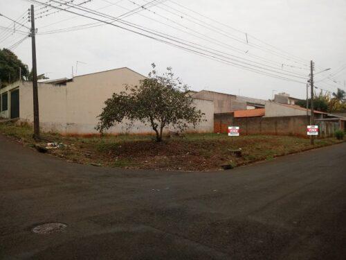 Terreno residencial de esquina para à venda na rua